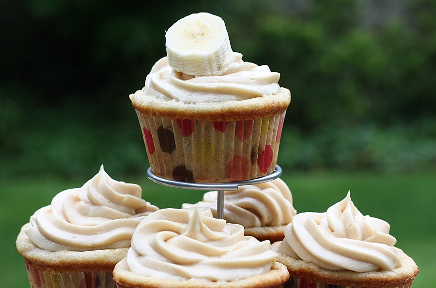 Banana Cupcakes with Peanut Butter Frosting | First Look, Then Cook