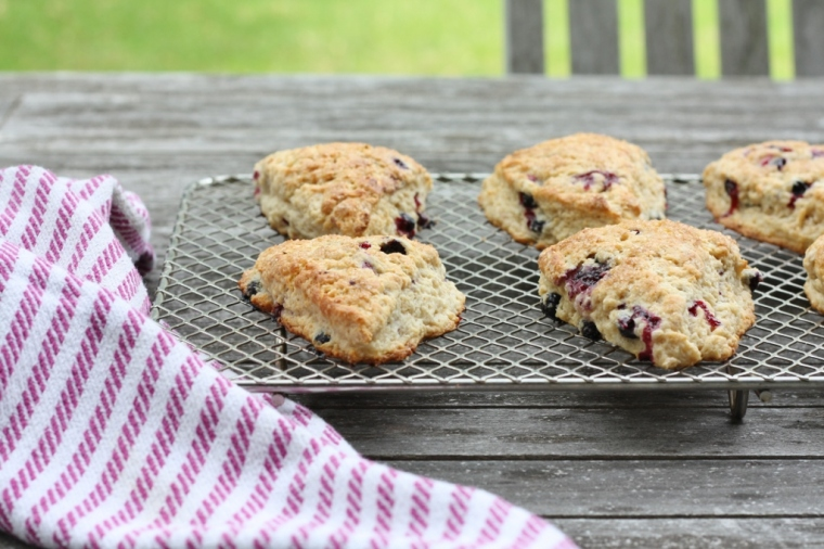 black-current-scones